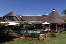Safari Club Entry Accommodation - Sandals_Guest_House