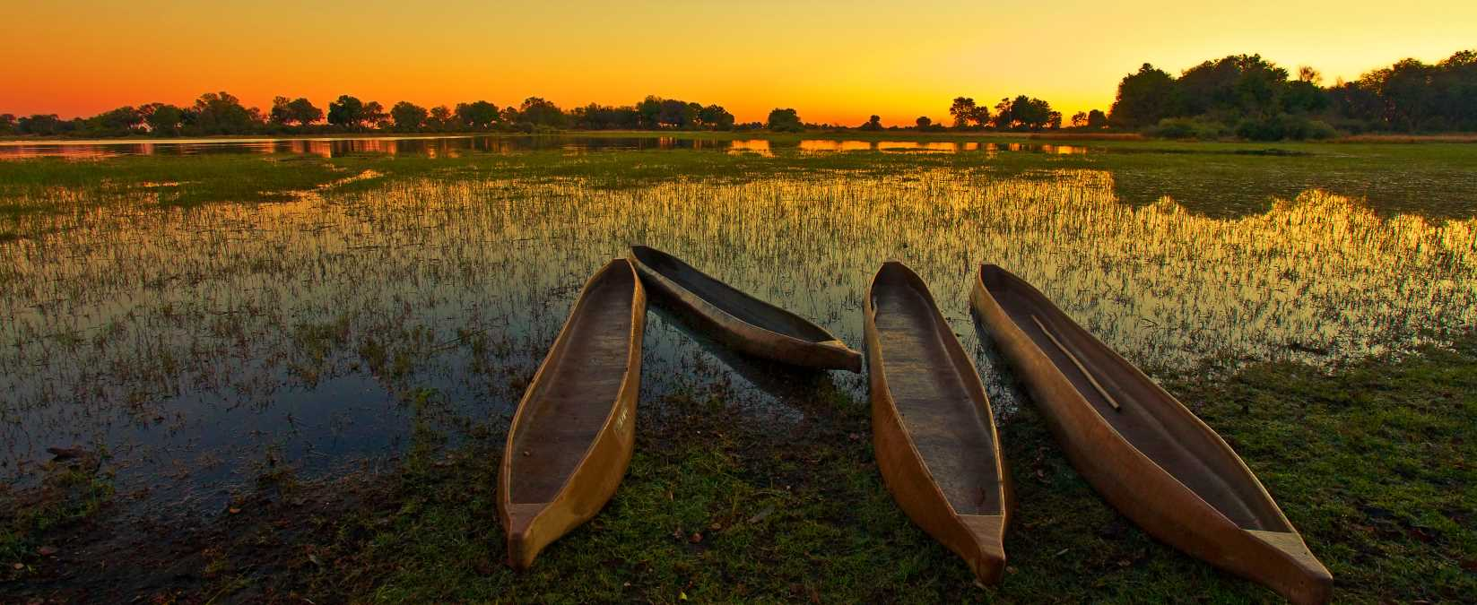 Safari Club - Botswana_Okavango_Delta_Sunrise