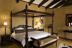Safari Club Classic Accommodation - Deception_Valley_Lodge_room