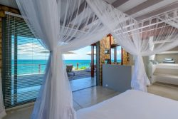 Safari Club Entry Accommodation - Bahia-Mar-Boutique-Hotel