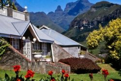 Safari Club Classic Accommodation - Cathedral_Peak_Hotel