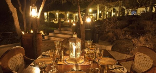 Safari Club - Dining at Night