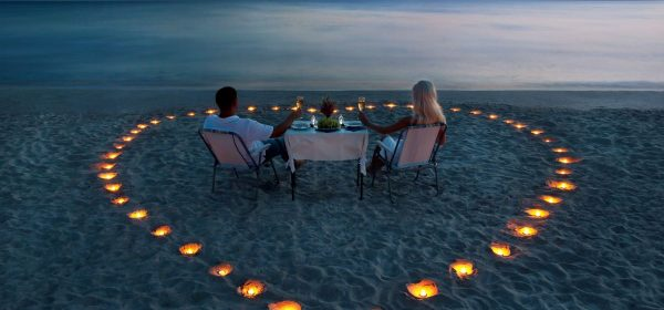 Safari Club - Honeymoon candles on beach